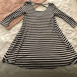 American eagle black and white striped dress